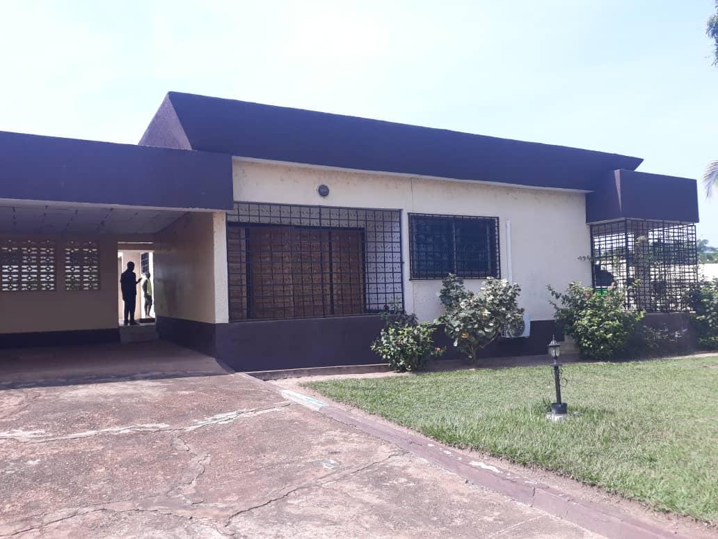 Villa à louer à OUANGO